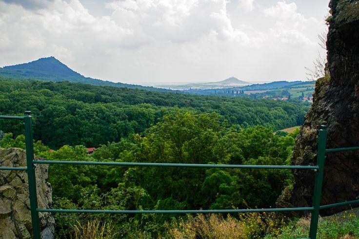 Výhled ze zříceniny Hradu Skalka #hrad #skalka #vlastislav