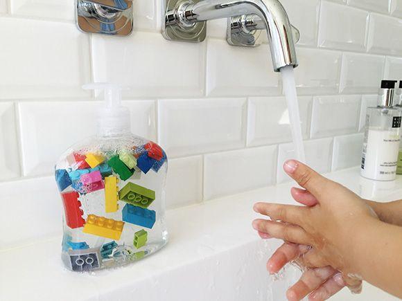 DIY: LEGO zeep – Zo wassen ze hun handen wél!