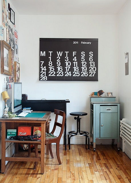 decorate an office. love that oversized calendar decorate an office
