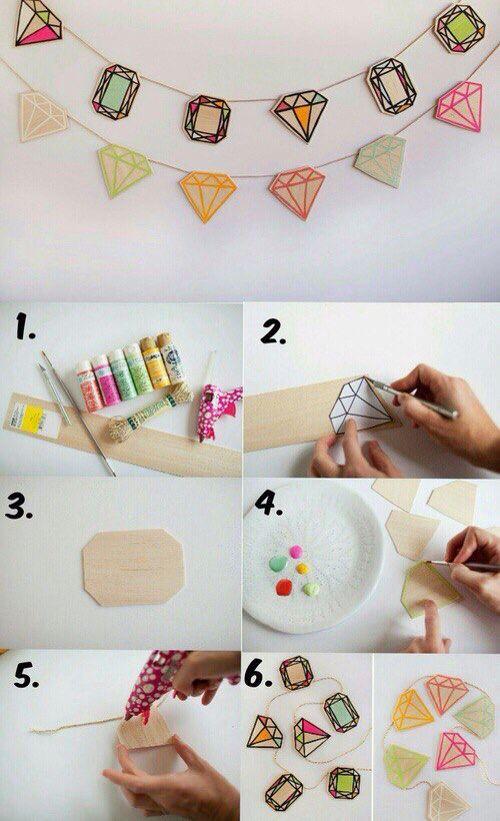 Вот такое украшение можно сделать для дня рождения или в качестве декора в детской.