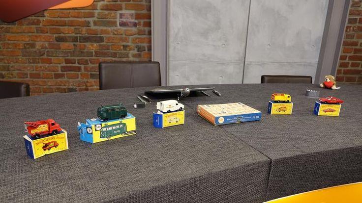 Lesney Products - Ingenieur Jack O'Dell baut Dampfwalzenmodell im Streichholzschachtelformat-von Lesney Products als Zinkdruckgussautos-Matchbox übernommen, 1:64 - 60er Jahre 30 € pro Stück   Siku- abgeleitet von Sipa-Kunststoffe seit 1921 in Lüdenscheid - seit den 60er Jahren auch Zdguss - 1:55 - Lautsprecherwagen -Mitte 70er, 30 € Wiking - Gabelstapler, 70er 20 € - Wiking seit 1936, heute in Lüdenscheid, bekannter Hersteller von Kunststoffautos, 1:87  Gesamt 175 € + Sikkaverkehrsschilder