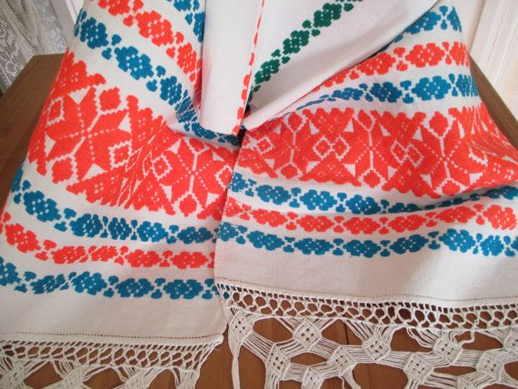 109. Handmade hand embroidered homespun pure linen table