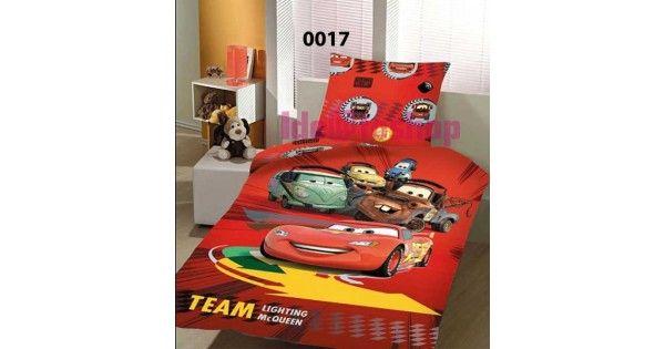 Σετ σεντόνια τριών τεμαχίων Disney,με πολλούς από τους γνωστούς παιδικούς ήρωες.Η αυθεντική σειρά προϊόντων,κατασκευάζεται από 100% βαμβακερά νήματα και υψηλής αντοχής χρώματα που θα αντέξουν πολλά πλυσίματα και θα παραμείνουτν αναλοίωτα όσο και αν τα ''ταλαιπωρήσουν'',οι δικοί σας ...μικροί ήρωες!!