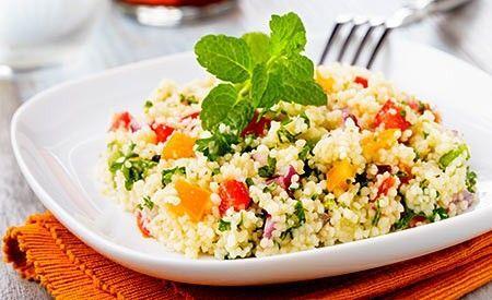 Veganer Rezeptvorschlag zur Zubereitung eines köstlichen Hirse Salates. Er ist äusserst einfach in der Zubereitung und sehr schnell fertiggestellt. Zudem schmeckt er köstlich frisch, knackig und leicht.