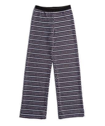 Broek wavey jacquard pants - Comfortabele broek met rechte wijde pijpen, uitgevoerd in een double chevron met reliëf. De gebreide broek bestaat uit een combinatie van drie kleuren en is afgewerkt met een luxe elastieken tailleband met goudkleurige highlights.