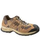 ACTIVATOR S1P    Zapato de seguridad Caterpillar Activator, de estilo deportivo. Lámina de acero en la contrasuela para ser más resistente. Anti perforación, puntera de acero y refuerzo duro en el talón.