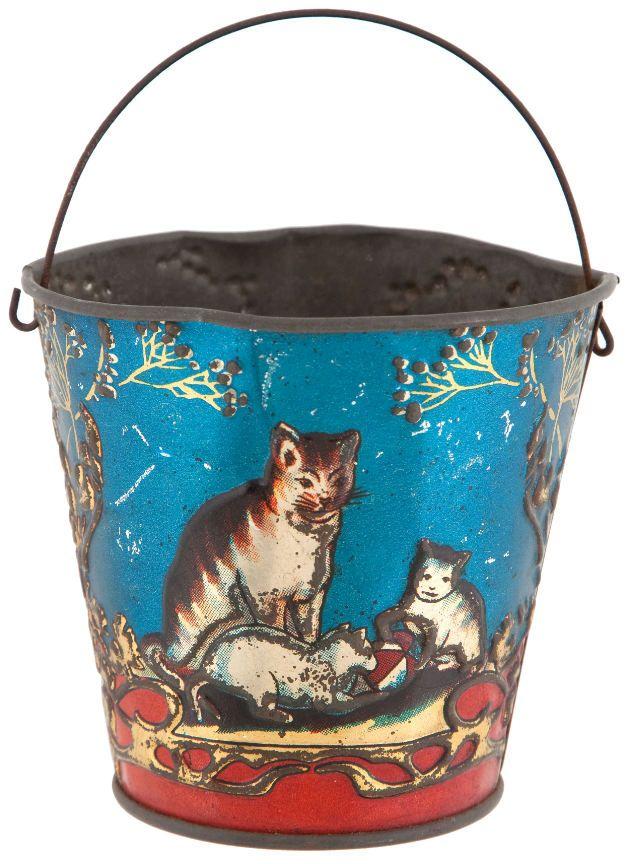 Reproduction vintage sand pail