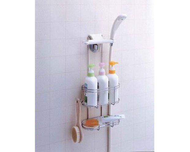 シャワーフックに取り付けるだけで収納たっぷりのラックが出来るので、もうシャンプーの置き場に困らない!!