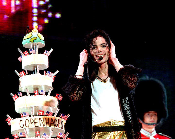 best michael jackson best book to images acirc157currenmichael buon compleanno acirc157curren uno dei momenti piatildesup1 belli del tour