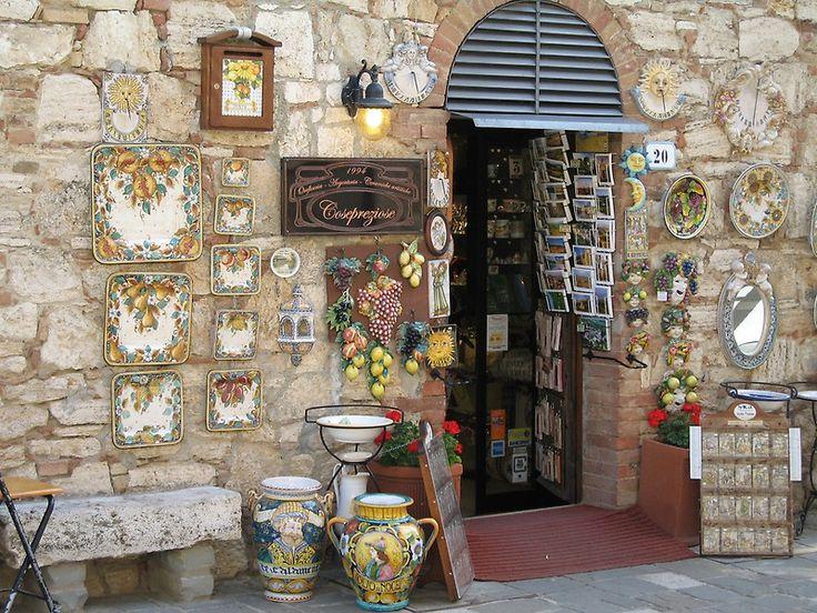 Tuscan Shops, Italia  Canon Digital Elph,