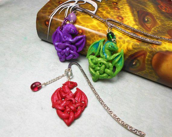 Segnalibro con ciondolo drago nodo celtico di RanaMirtilla su Etsy, €12.00