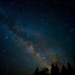 Milky way by crater lake