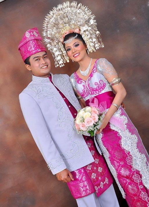 #PengantinMinang #Wedding #Minang #Suntiang #PinkSilver