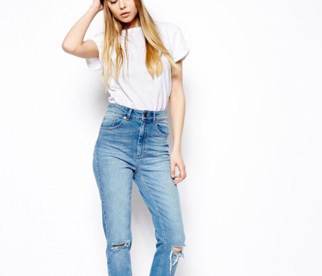 Los pantalones vaqueros de talle alto - http://www.efeblog.com/los-pantalones-vaqueros-de-talle-alto-16543/  #Estilo_de_la_semana, #Moda