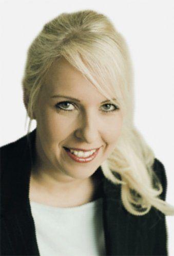 Hei! Olen Hanna Nyqvist ja vedän soveltuvuusarviointivalmennuksia, joissa käymme läpi omia oikeuksia arviointitilanteessa ja tapoja miten arviointipäivään voi valmistautua. Tutustumme erilaisiin henkilöarvioinnin menetelmiin hyödyntäen aitoja esimerkkejä. Tarkoituksena on tukea parhaan suorituksen tekemistä testitilanteessa. Olen toiminut MPS-Yhtiöillä psykologikonsulttina vuodesta 2005 lähtien vastuualueinani rekrytointi- ja henkilöarviointiprosessit ja muutoksen hallinnan valmennukset.