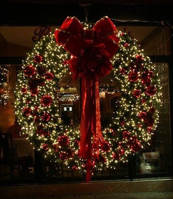 154 best classic christmas images on pinterest merry Classic outdoor christmas decorations