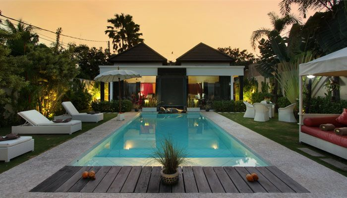 #sunset at #villa Kalamansi. The #beautiful #pool in a luxuriant #tropical #garden.
