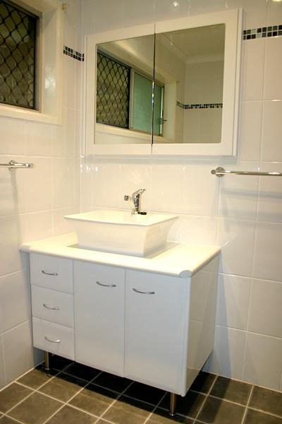 White Bathroom Vanities Brisbane - Single bowl with legs