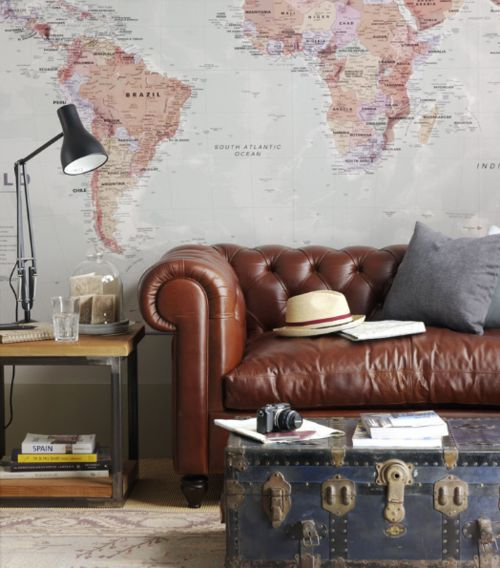leather couch + world map + old chest Neat Idea for a study! Or a extra living room/Den