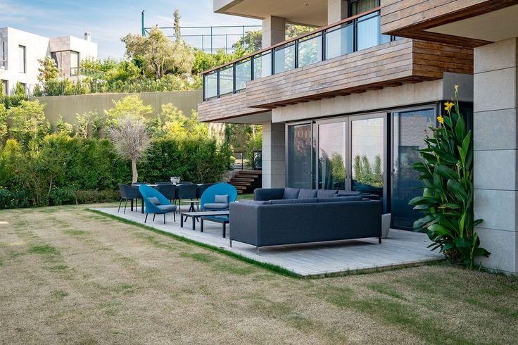 slasharchitects D House 03 #slasharchitects #architecture #house #terrace #garden