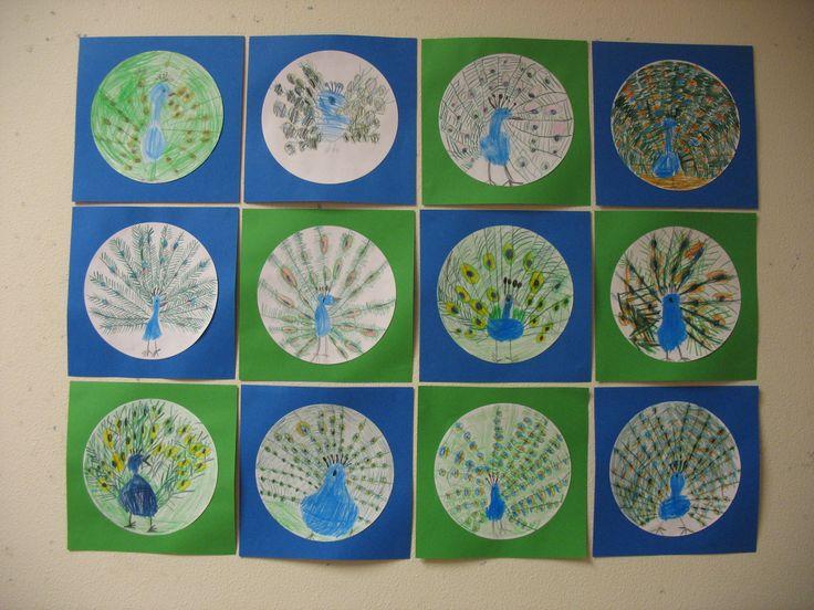 De pauw. Groep 3, kleurpotlood op papier. N.a.v. het leren van het woordje pauw.