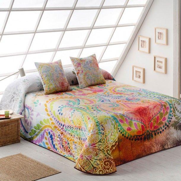 Colcha Bouti OREGON de la firma Sansa. Llena tu habitación de color y alegría con este nuevo diseño donde se aprecia un bonito estampado de colores vivos.