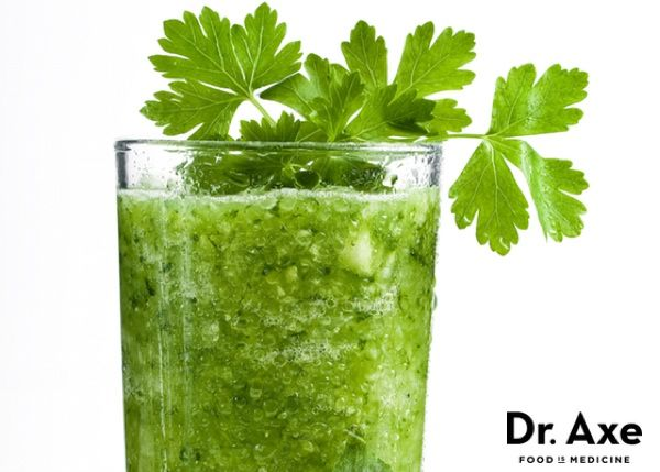 Green Detox Machine 8 Celery stalks 1 cup Broccoli 1 bunch Asparagus • 1 bunch Cilantro 1 bunch Chard