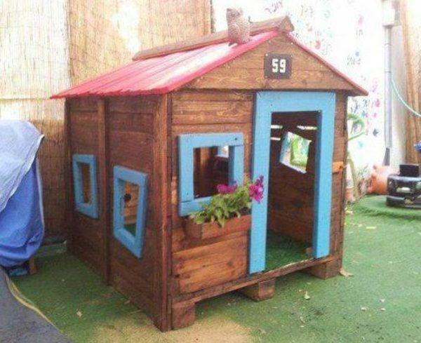 23 best DIY Cabane en bois images on Pinterest Pallet furniture - Maisonnette En Bois Avec Bac A Sable