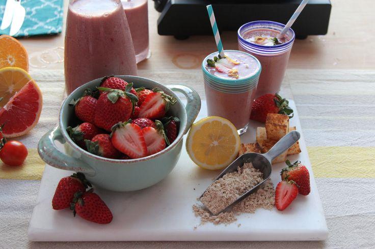 Rocco DiSpirito's Negative Calorie Strawberry Shortcake Smoothie | Hollywood Today Live