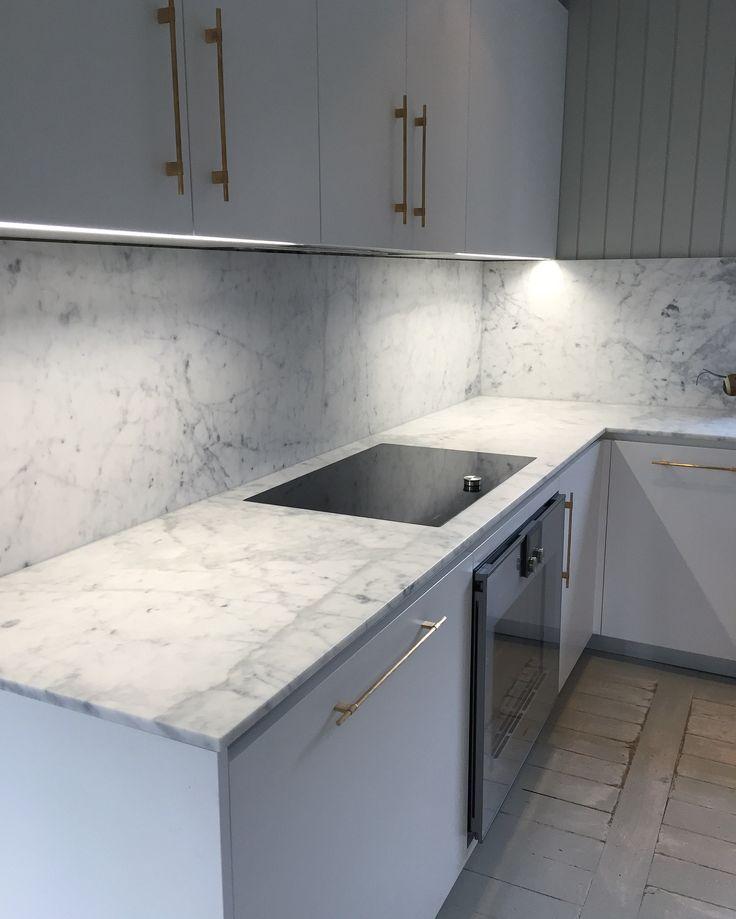 Kjøkken inspirasjon | Carrara Marmor | Benkeplate - Kitchen ideas | Design | Carrara Marble | Countertop