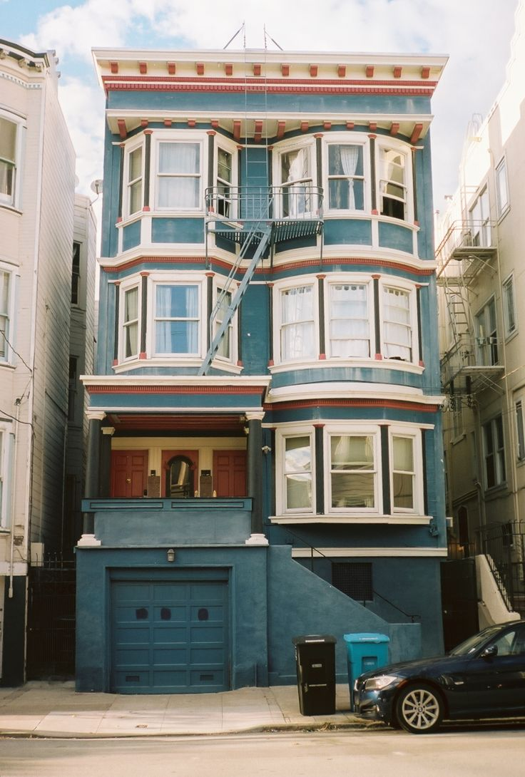 In San Francisco {I'd love to live in one of those!}
