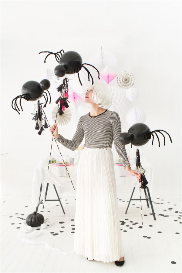 DIY Spider Balloon Sticks | Oh Happy Day!