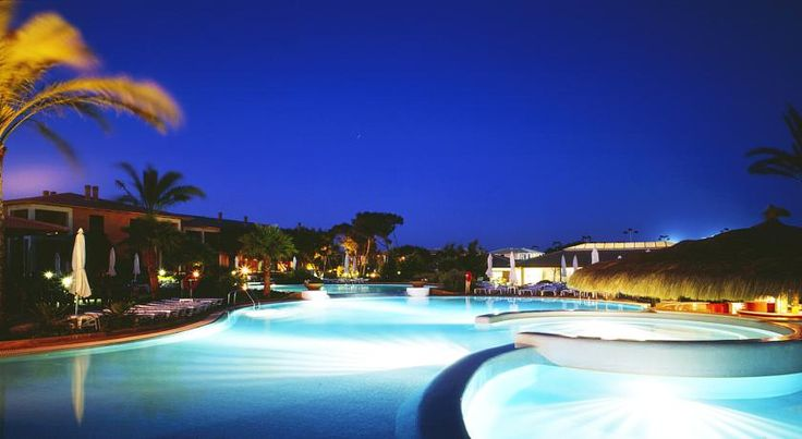 Blau Colonia Sant Jordi Resort & Spa Colonia Sant Jordi Set in large gardens, this hotel is 1 km from Es Trenc Beach, on Mallorca's south coast. It offers a spa, indoor and outdoor pools and air-conditioned rooms with a balcony.