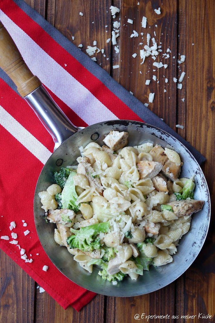 Experimente aus meiner Küche: Pasta Alfredo mit Hähnchen und Brokkoli