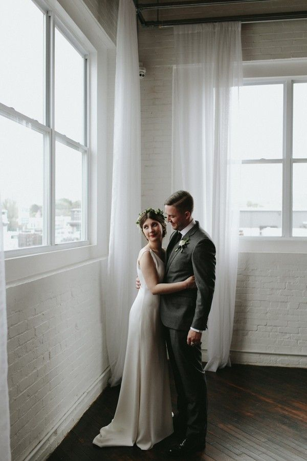 Minimalist industrial wedding inspiration | Image by Marisa Albrecht