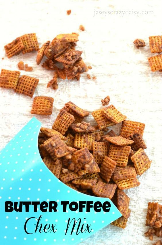 Butter Toffee Chex Mix {Christmas Crack Chex Mix} - Jasey's Crazy Daisy