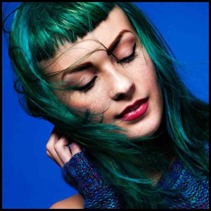 Haare bunt färben: Tipps, Tricks und Methoden