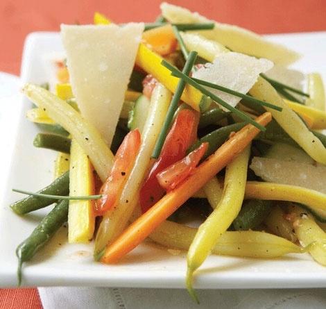 Late Harvest Bean Salad with shaved Parmesan Cheese. Insalata di Fagiolini con Scaglie di Parmigiano.