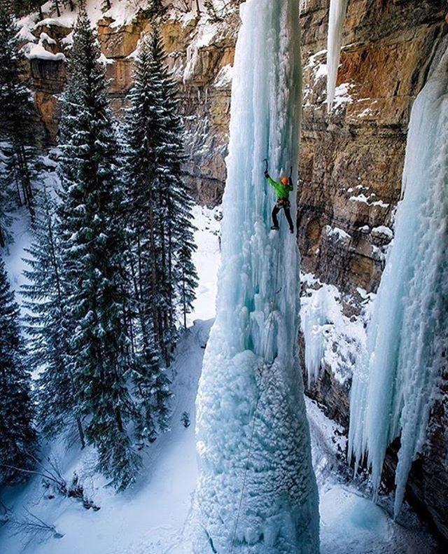 #ice #climbing @ladzinski #Eisklettern #Eis #kalt #winter #reise #travel #abenteuer #adrenalin #Extremsport