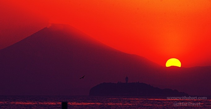 You'll be amazed when you see it with your own eyes. Red sunset, Enoshima, Japan.