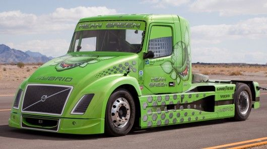 Volvo's 2100 bhp D16 diesel/electric 'Mean Green' hybrid truck has established a new world speed record for hybrid trucks, beating its own record with a 236.577 km/h (147.002 mph) flying kilometer