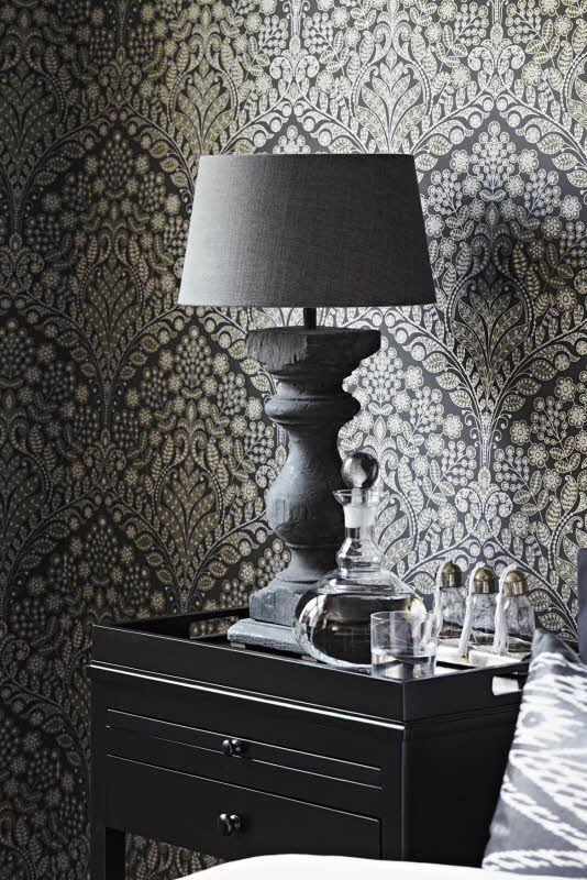 Boråstapeter Ornament, Värisilmä. http://kauppa.varisilma.fi/seinanpaallysteet/nonwoven-tapetit/ornament-12/ #tapetti #makuuhuone