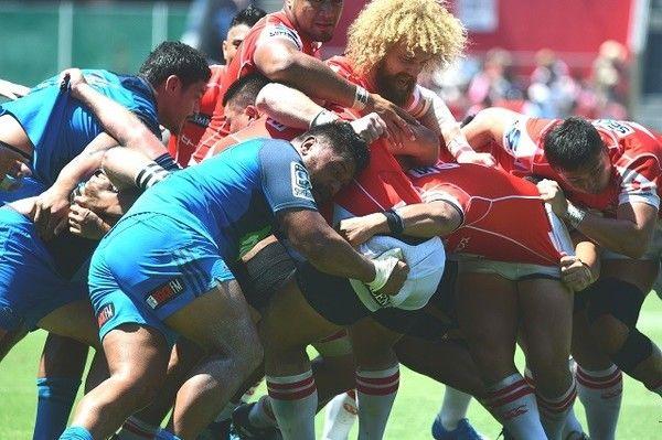 団結力が高まったサンウルブズ(赤)が、NZのブルーズに快勝した