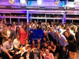 Festejos en Rosario por los 25 años de la Universidad | El pasado viernes 28 de octubre se llevó a cabo en Rosario una cena con motivo de celebrar los 25 años de la Universidad Austral.