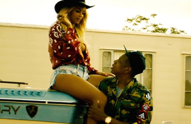 Lyric Switch-up: Is Beyoncé Speaking To Jay In This Live Version of 'Resentment'
