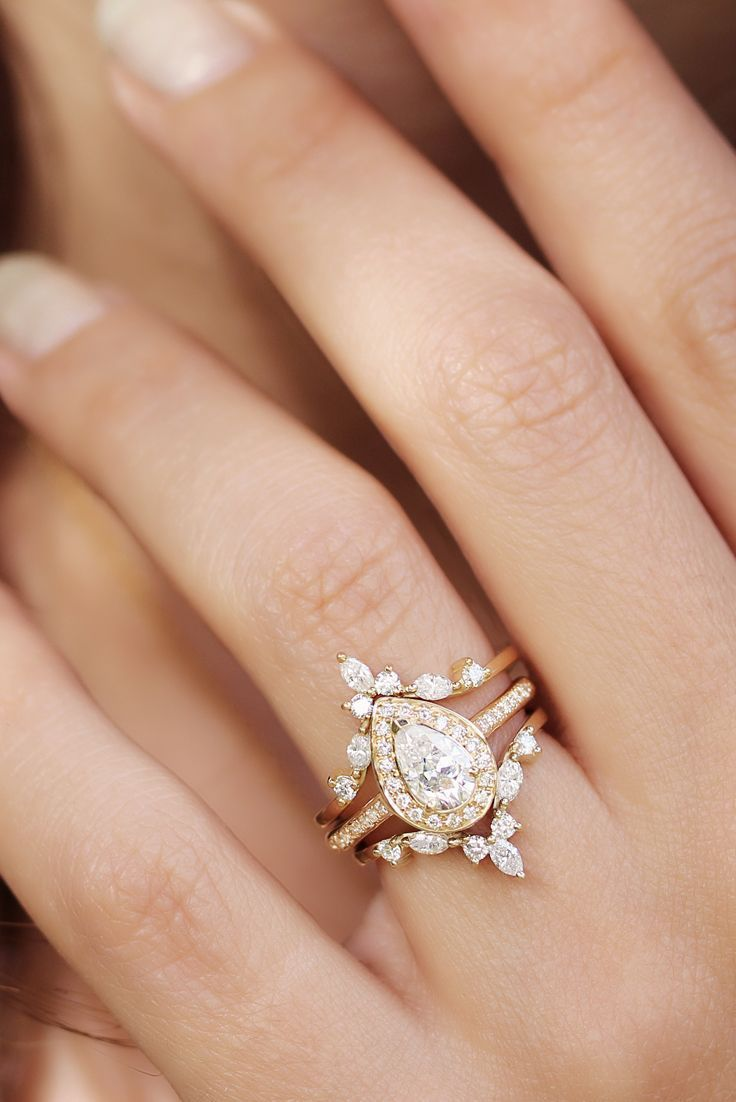 Pear Diamond Wedding Ring Set, Diamond Halo Unique Engagement Ring Set, Marquise Crown Diamond Ring