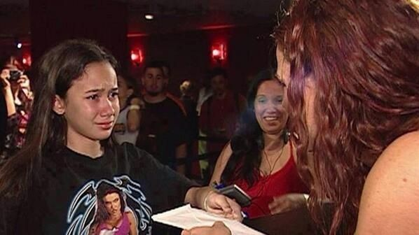 AJ Lee Meeting Lita When She Was a little girl - looks so special to her! To all those young girls aspiring to be future WWE Divas. Keep going, It's possible!