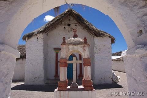 iglesia altiplánica en chileResultados de la Búsqueda de imágenes de Google de http://www.clinamen.cl/Fotos-Altiplano/images/Iglesia-Parinacota-altiplano-lauca.jpg