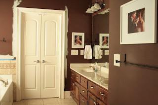 Diseño de baños en color marrón
