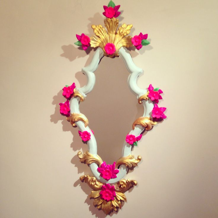 Espejo Victoriano By Vive Bombó. Victorian Mirror. Vintage mirror. 100% wood Hand carved and hand-painted.